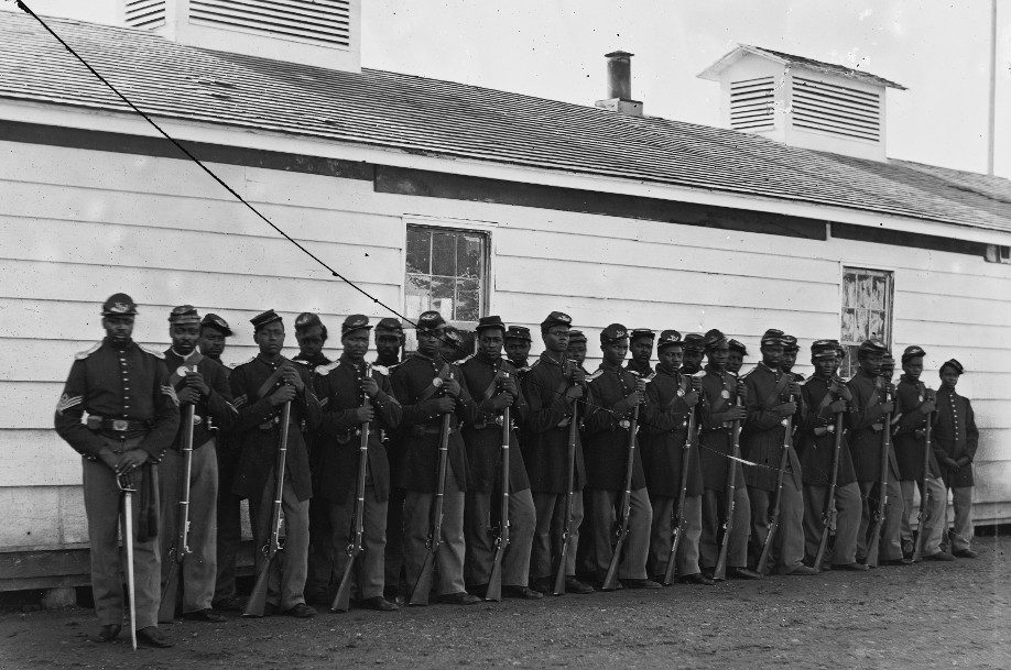 District of Columbia. Company E, 4th U.S. Colored Infantry, at Fort Lincoln. Photo: Library of Congress